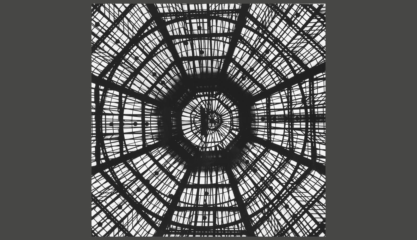 181101_Designteorie_ReneSpitz_Die-Ulmer-Moderne-und-die-Magie-des-Rationalen