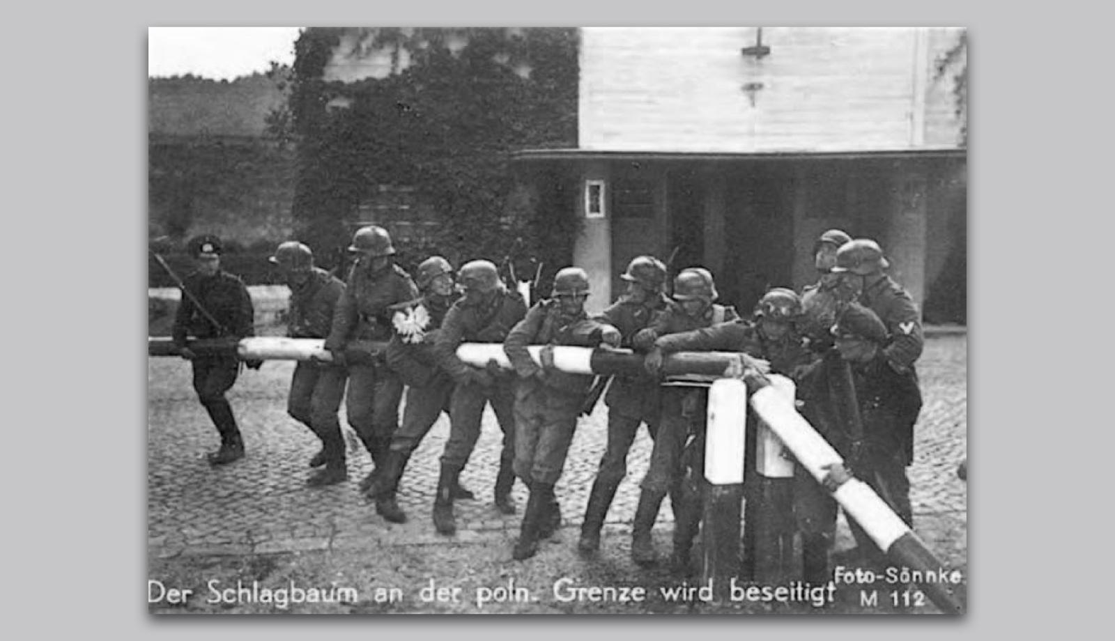 Publikation505_ReneSpitz-Designkritik_WDR3-Mosaik_Bilder der NS-Diktatur